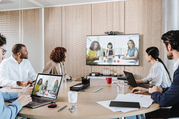 ClickShare Conference -remote 2.jpg