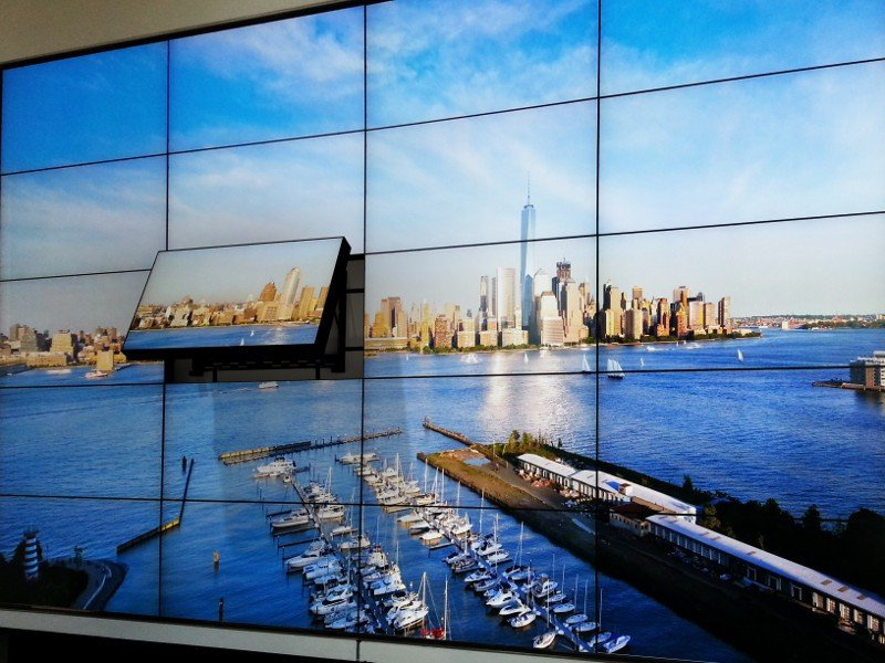 videowall on peerless mount