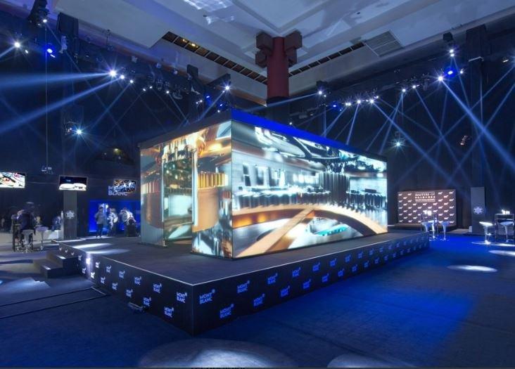 projection box tradeshow.JPG